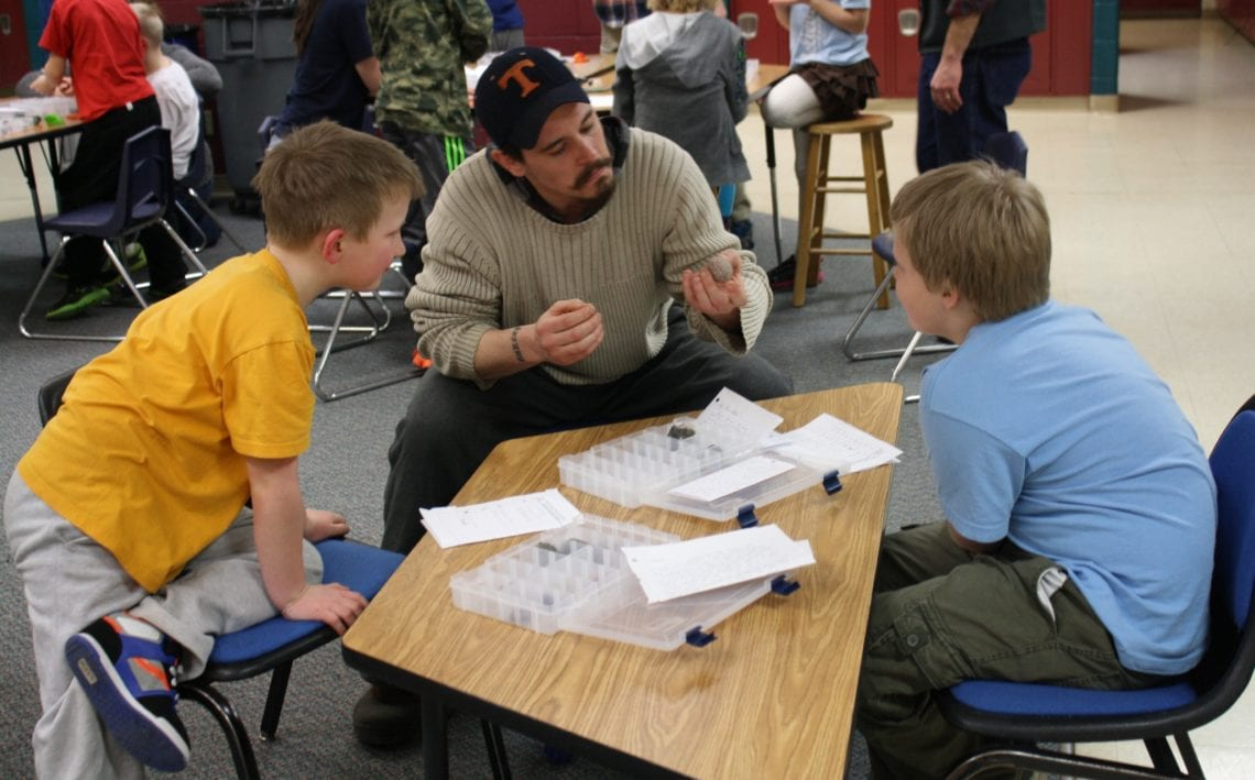 A UWS student discusses the differences between sedimentary, metamorphic, and igneous rocks